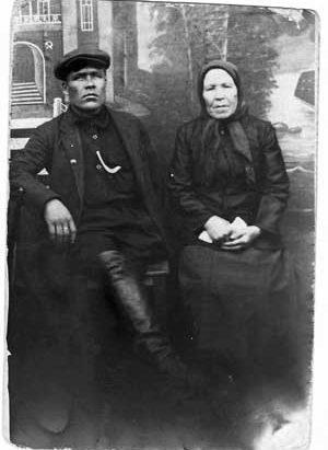 Анна Михайловна Зыкова с сыном Степаном