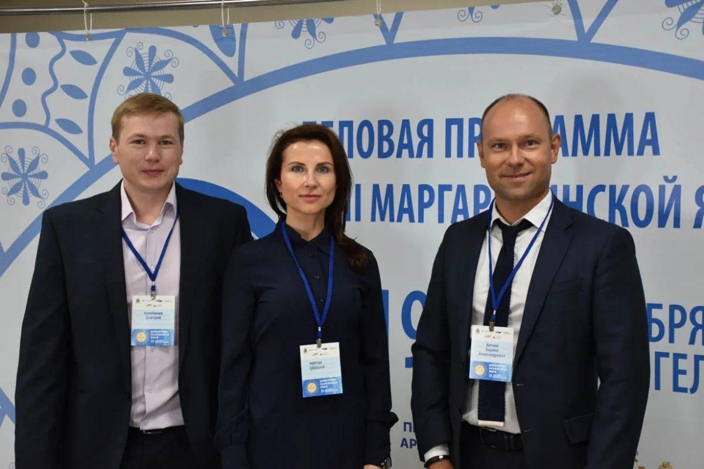 Дмитрий Кулебякин на снимке слева