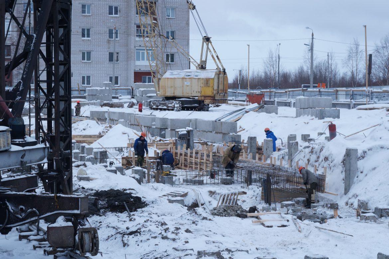 строительная площадка зимой