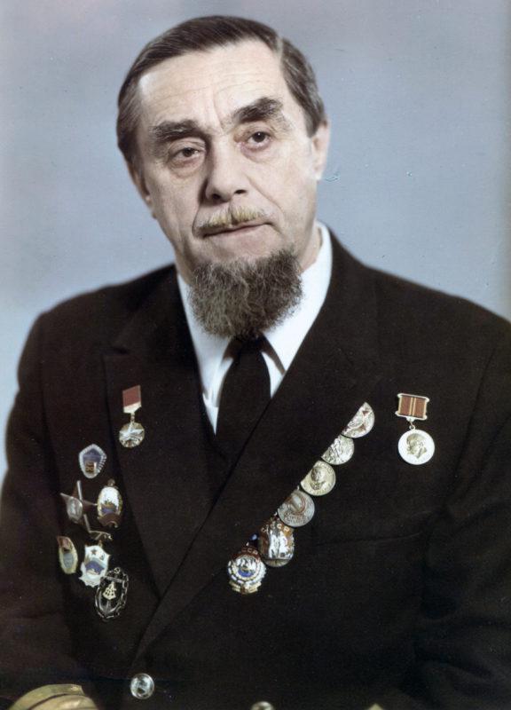 Жуков Юрий Дмитриевич