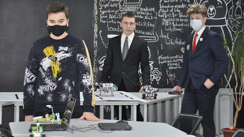«Точка роста» - до Луны и выше: в школе Новодвинска успешно реализуется инновационный проект