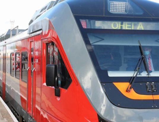 пригородный_поезд_Поморье