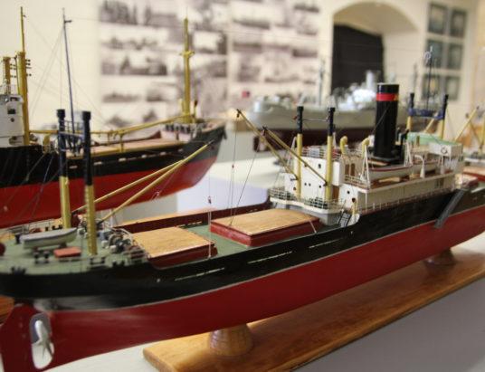 Выставка Дервиш